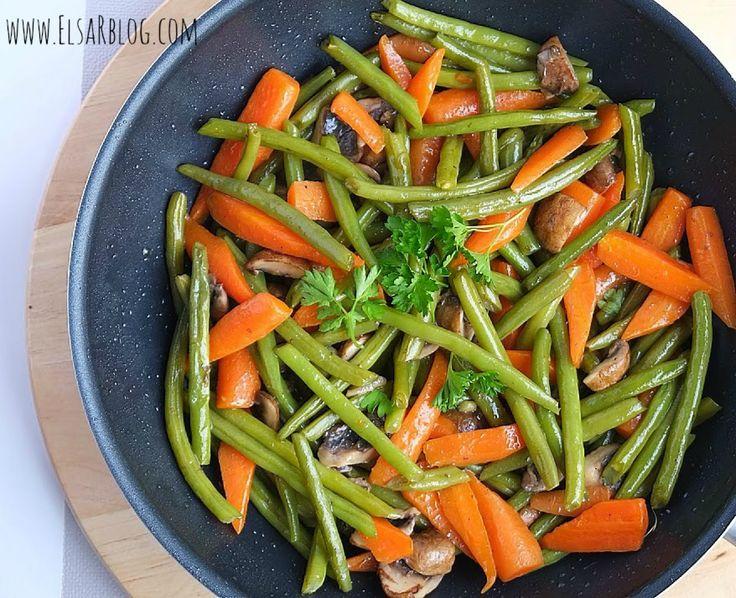 Worteltjes, sperziebonen met honing en champignons Dit recept past heerlijk bij varkenshaas, biefstuk of kip uit de .oven..