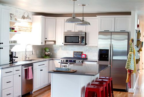 Another lovely white kitchen (DIY too!) Silestone countertops and marble subway tile from Home Depot.House Tours, Home Tours, Pop Of Colors, Kitchens Ideas,  Microwave Ovens, Red Stools, Great Kitchens, White Cabinets, White Kitchens