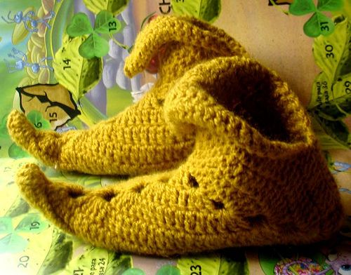 Love this! My grandma used to make slippers like this for us every Christmas. Now if only I could crochet!