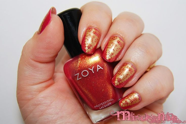 Shimmer Red & Golden Lace Stamping Nails : http://miraclesnails.blogspot.fi/2015/02/lomakynnet.html