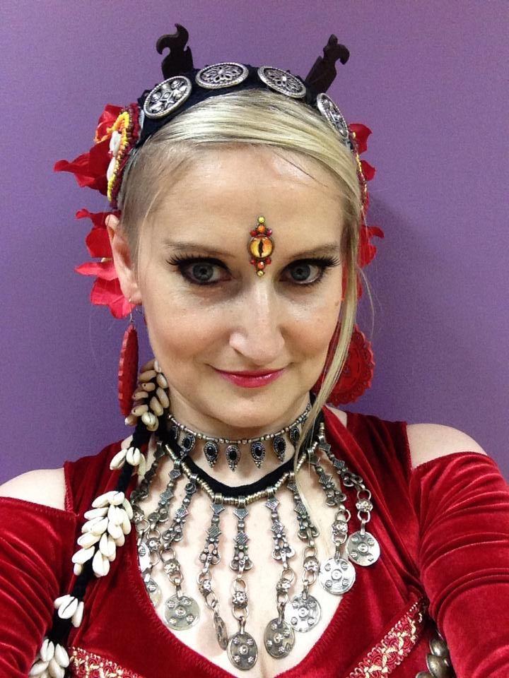 dancer: Magda G-k, Bindi: Tribal Bindi  https://www.facebook.com/tribal.bindi belly dance bindi, Sauron eye
