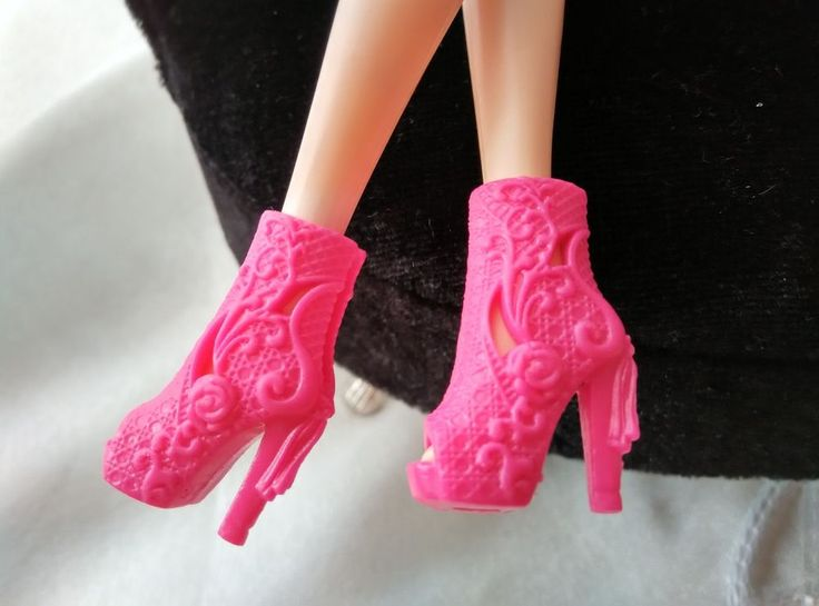 barbie shoes One(1) pair of hot pink high ankle pattern engraved high heel boots