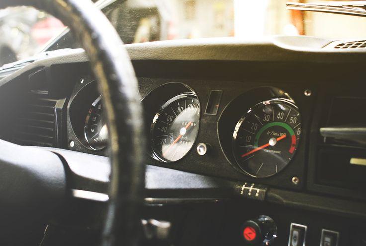 Les 5 choses à vérifier avant d'acheter une voiture d'occasion - http://leshommesmodernes.com/5-choses-verifier-avant-acheter-voiture-occasion/