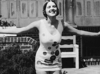Miss America of 1926, Norma Smallwood, poses in a polka-dotted swimsuit. (Photo by Hulton Archive/Getty Images). Vintage Polka Dots. 1920's. 20er Jahre. ViNNSiNN.com