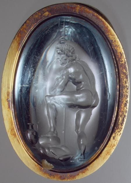 usia / St. Petersburg / Muzeul Ermitaj Inel italian datat secolul al XVI-le, din aur cu un acvamarin 4 x 2,8 cm înfăţişându-l pe zeul Neptun.