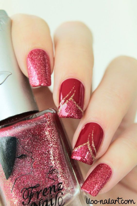 Red nails with simple nail art