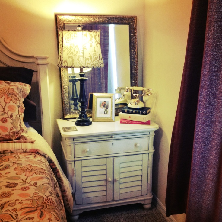 1000+ Ideas About Mirror Behind Nightstand On Pinterest