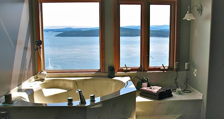 17 Best Images About Jacuzzi 174 Suites And In Room Hot Tubs