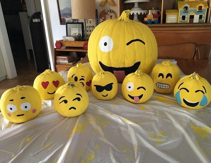 1000 ideas about emoji pumpkin carving on pinterest pumpkin carvings creative pumpkins and. Black Bedroom Furniture Sets. Home Design Ideas