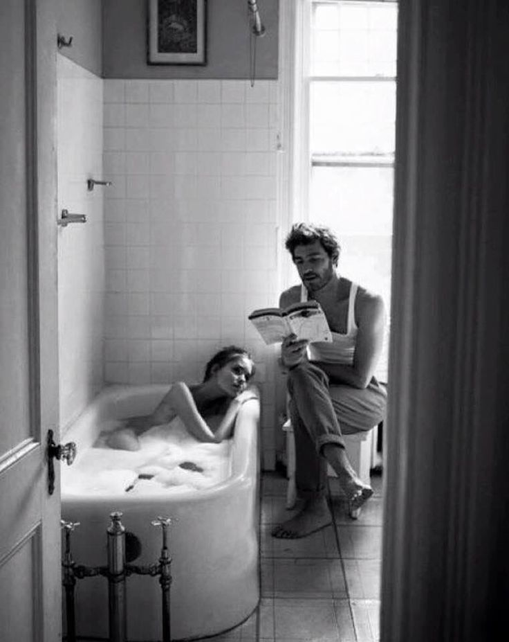 I love this photo. A peek into intimacy.