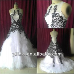 Free shipping Scoop Neck Tank Sleeve Tulle Ruffles Ball Gown Sweep Train 2013 Embroidered Black and White Wedding Dresses