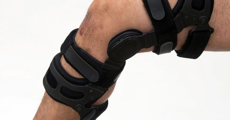 The inflammation and pain caused by a torn ligament usually prompt a visit to the doctor, but if you haven't consulted a medical professional, don't rely on supplements alone to heal a torn ligament. Supplements provide nutrients that support and speed up recovery, but torn ligaments need medical treatment to ensure optimal healing. Consult an...