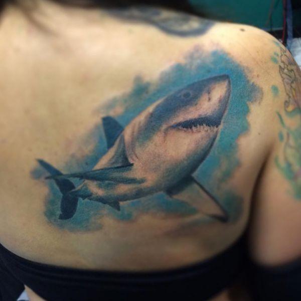 12 Fantastische Hai Tattoos und ihre Bedeutungen