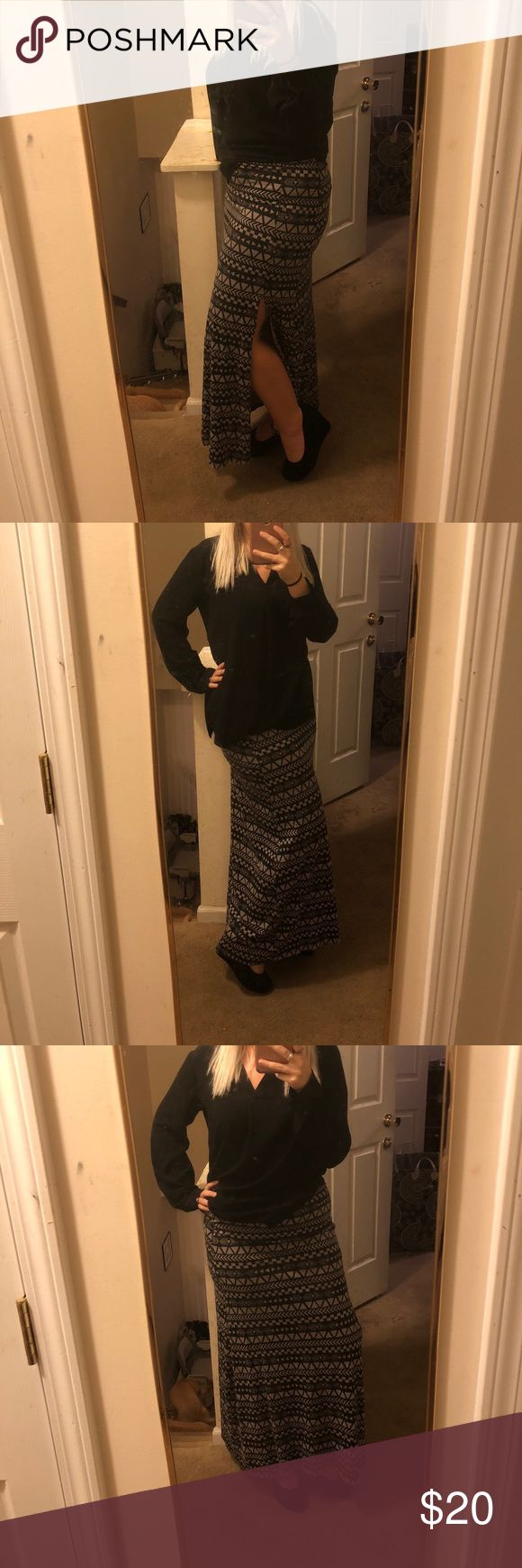Purple/Grey & Black Side Slit Aztec Maxi Skirt Only worn a few times. This skirt is in great condition! T has a gorgeous design and sexy side slit. Brand is Threads 4 Thought. Fits true to size. Please let me know if you have any more questions! Threads 4 Thought Skirts Maxi