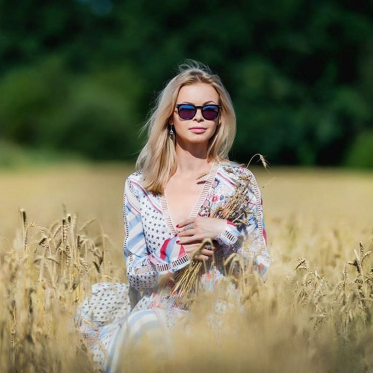 Tęsknicie za latem?  #polishgirl #blondegirl #selfie #ootd #dailyootd #olfaktoriaootd #semigirls #semilac  @semilac nr 011 - Purple Diamond: bit.ly/2k86FMw  Sukienka: bit.ly/2vxptpV