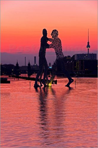 bildpics - Berlin - Molecule Men