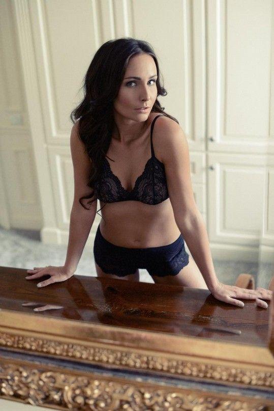 Z půvabné herečky by klidně mohla být modelka. Nedávno pózovala v katalogu spodního prádla.