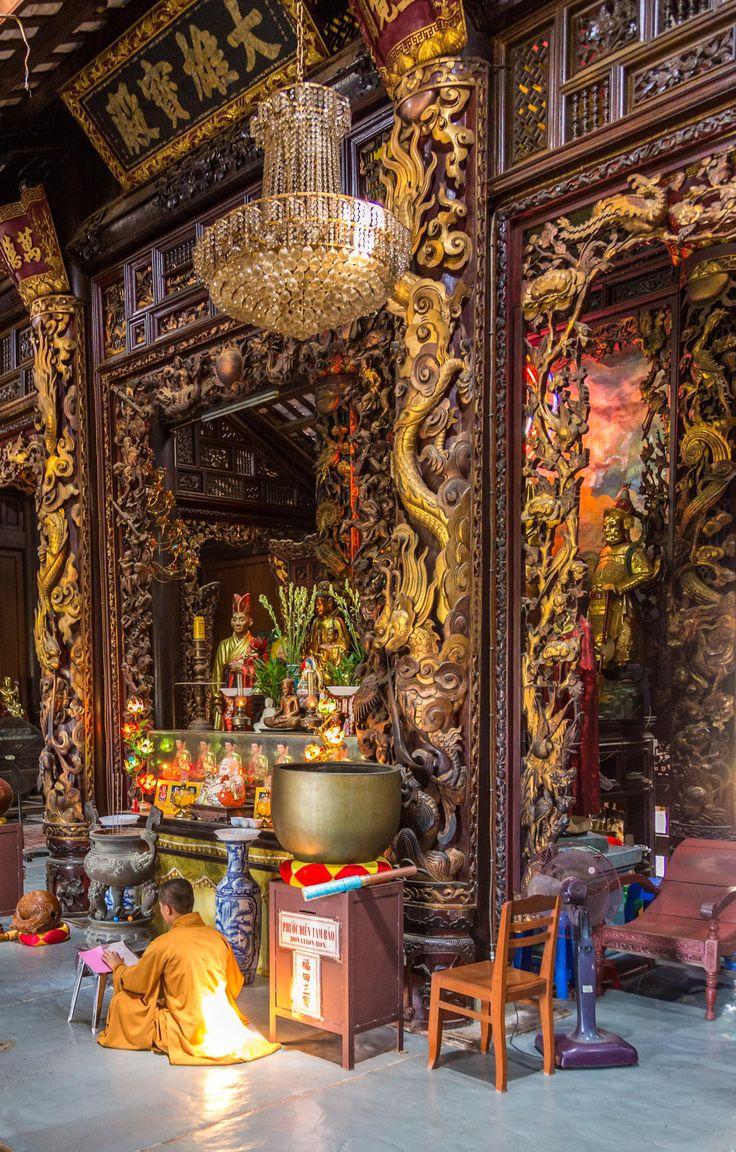 http://www.greeneratravel.com/ info@greeneratravel.com Chua Vinh Trang, Saigon, Vietnam http://viaggi.asiatica.com/