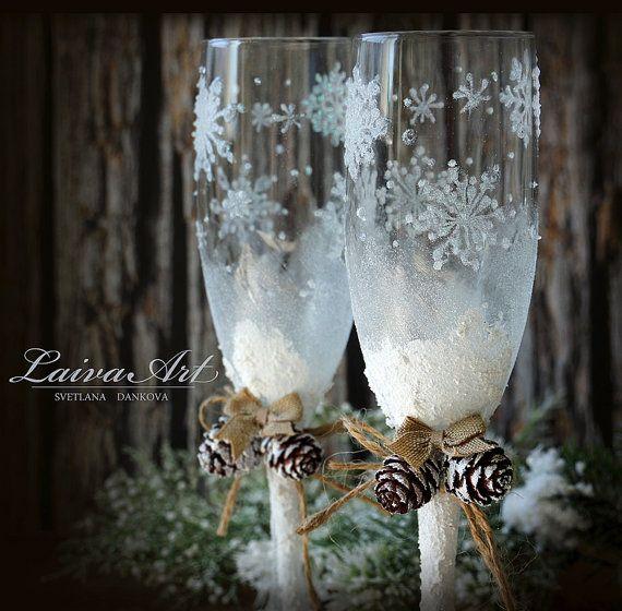 Картинки по запросу wedding champagne glasses winter