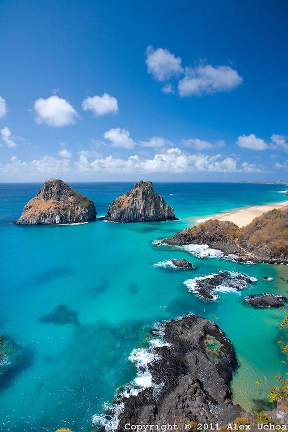 A encantadora Baia dos Porcos umas das praias mais  bonitas de Fernando de Noronha e do Brasil
