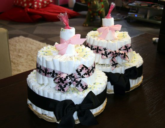 How to Make a Diaper Cake for Twins