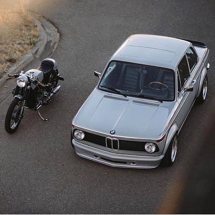 "bikebound: ""Respect Your Elders. BMW 2002 + airhead cafe by @heyitzsushiboi. Found via @kernandhyde :: #bmw #bmwmotorrad #bmw2002 #caferacer #motolove #bmwlove """
