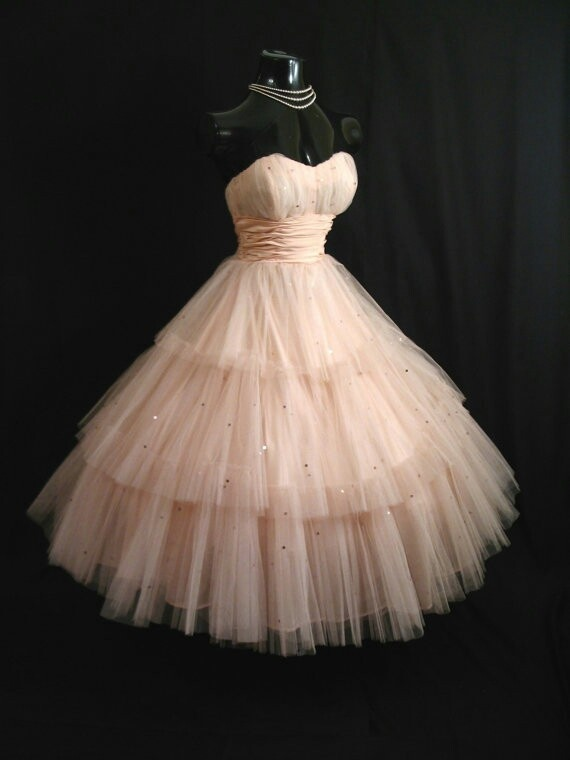 I want something like this for prom. 50's style prom dress