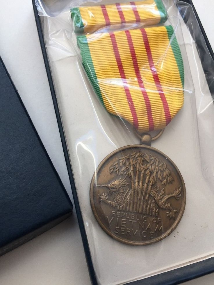 VIETNAM SERVICE US Military Medal Set with RIBBON & Box