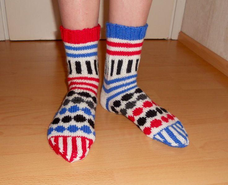 Joululahjaksi Marimekko sukat veljeni vaimolle. Marimekko socks for Christmas, my brother's wife