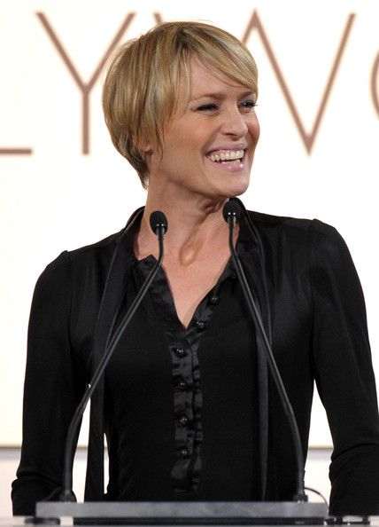 robin wright haircut in house of cards | ... in this photo robin wright penn presenter robin wright onstage during