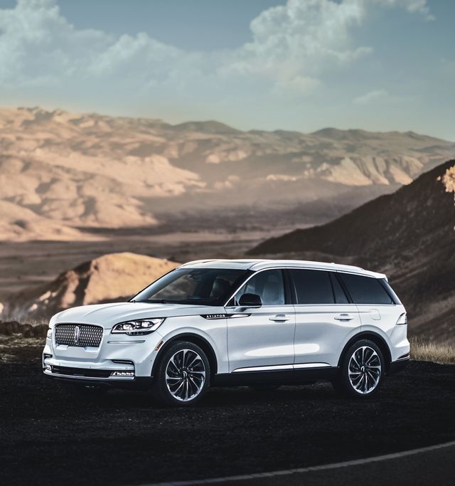 The All New 2020 Lincoln Aviator Luxury Midsize Suv Lincoln Com Mid Size Suv Lincoln Aviator Luxury Cars