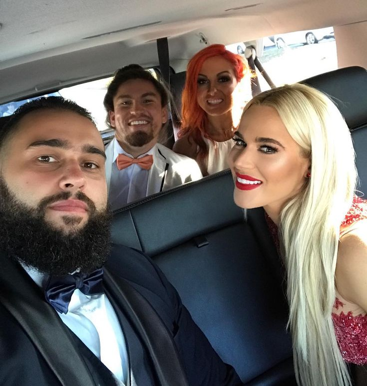 "46.7 хил. харесвания, 144 коментара – CJ Perry (@thelanawwe) в Instagram: ""Off to #HallofFame with these beautiful people @rusevig @beckylynchwwe @coolhandmma #WWEHOF"""