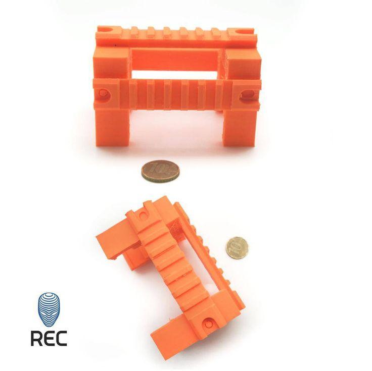 Где вы видели тактический пистолет пулемет Томпсона? Мы тоже пока не видели но уже распечатали на него планку. Мы использовали Picaso 3D designer и оранжевый пластик REC ABS. Оранжевый он потому что очень хотелось что-то покрасить вечером покажем результат. :) Have you ever seen tactical Thompson sub-machine gun? WE haven't seen it neither but already printed tactical rail. We used Picaso 3D designer and orange filament REC ABS. We used orange filament just because we were in the mood to…