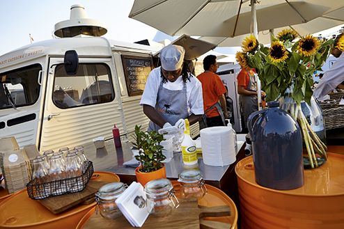 Get quality outdoor catering services in dubai @AskExplorer
