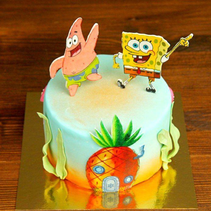 Весёлые лучшие друзья Спанч Боб и Патрик из любимого мультсериала про подводную историю дна океана стали любимыми героями многих😊 И если ваш именинник обожает этих забавных друзей и с любопытством смотрит их весёлые приключения? Тогда торт с Патрик и Спанч Бобом это то, что, несомненно, удивит вашего именинника в день рождения и настроение от лучезарного и весёлого торта будет на высоте😉  Стоимость изготовления торта составит 2150 руб./кг.  Специалисты #Абелло готовы помочь с выбором…
