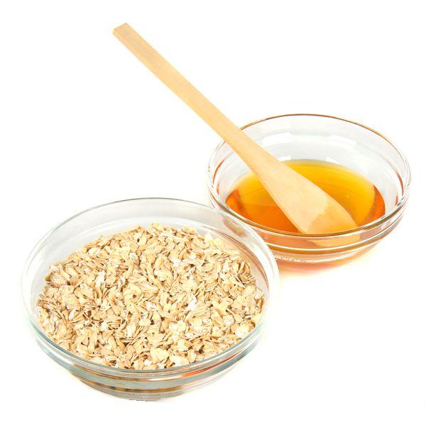 Recupera el #tono #natural de tu #piel con una #mascarilla de avena y miel.