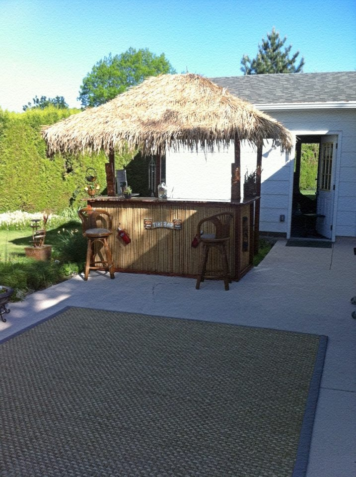 The Spruced Up Tiki Bar With Our Newly Painted Patio U0026 New Outdoor Carpet.
