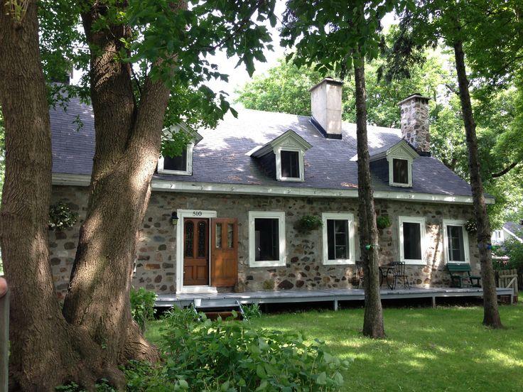 Maison malhiot boucherville mtl quebec 1743 maison en for Fenetre quebecoise