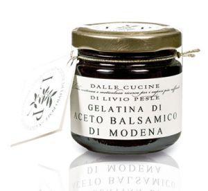 Gelatina di Vino prodotta dall'aceto Balsamico di Modena E' ideale per condire insalate o tagliate di manzo.