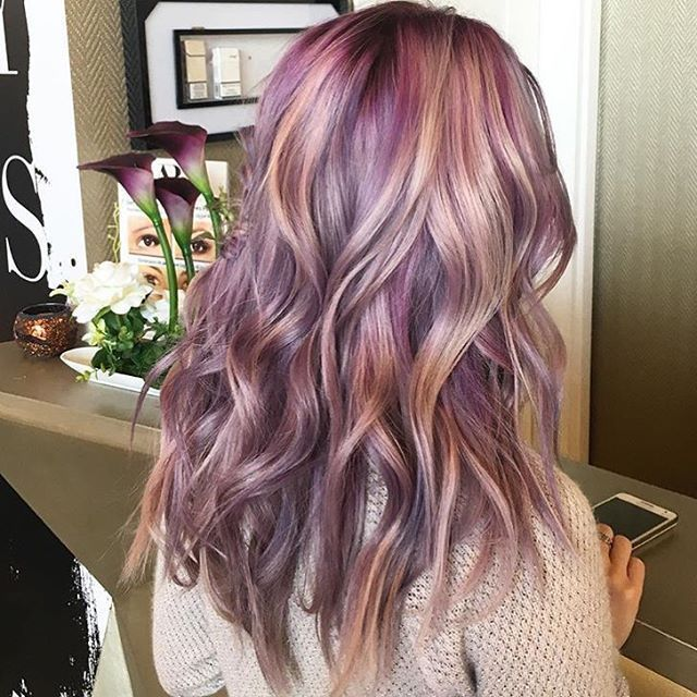 Colored hair is a good way to show your personality
