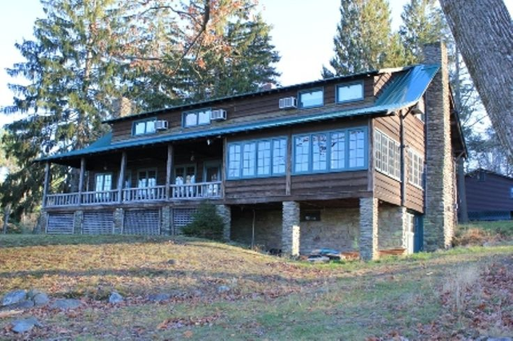 lake wallenpaupack homes for sale with boat slip