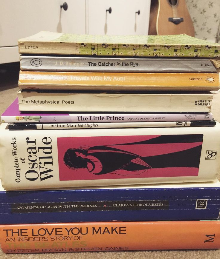 The original branch of Compton Hospice has its own coffee shop on site which doubles as a secondhand bookshop. I meet my Nan there every week for lunch and coffee (3.40 for both of us!) and a browse of the books. This stack cost a grand total of 2. #charityshop #books #oscarwilde #secondhand #poetry #sustainability #reading #thebeatles #thrifted Re-post by Hold With Hope