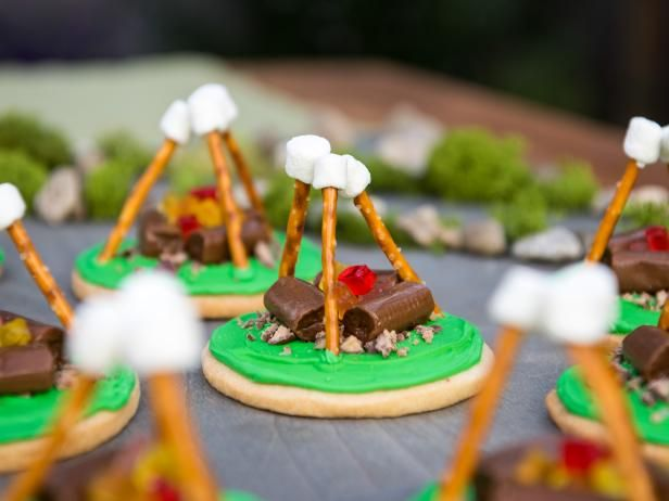 Get Campfire Cookies Recipe (I'd put crushed graham crackers on the base make it like a beach bonfire!)