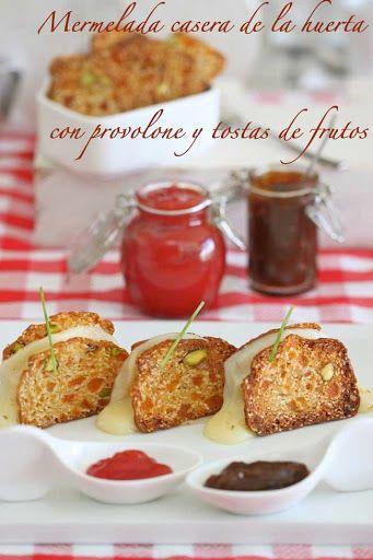 Mermeladas caseras de tomate, y de pimientos asados , con tostas de provolone