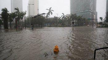 Αμερικανοί μετεωρολόγοι: Η Κούβα έσωσε την Φλόριντα από τον τυφώνα Ίρμα   Το πέρασμα της Ίρμα από την βόρεια Κούβα έσωσε την Φλόριντα... from ΡΟΗ ΕΙΔΗΣΕΩΝ enikos.gr http://ift.tt/2w1ZGcX ΡΟΗ ΕΙΔΗΣΕΩΝ enikos.gr