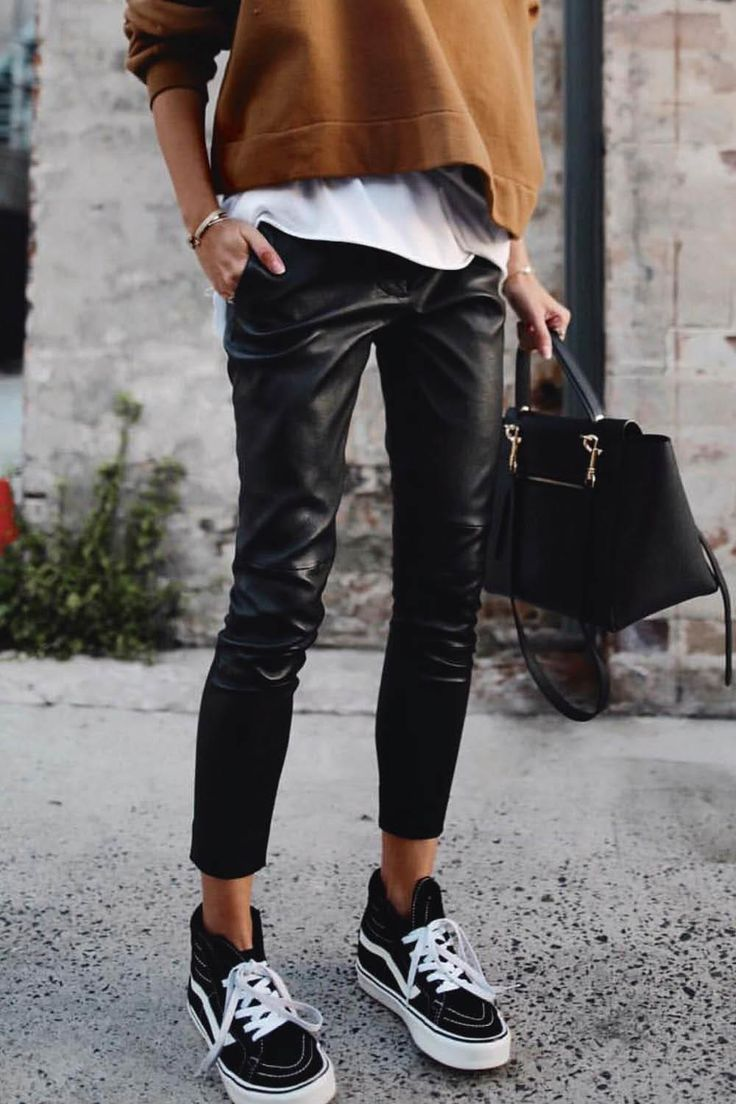 Vans Outfit   Comfy fall outfits, Black leather pants, Leather ...