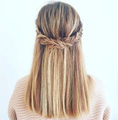 Fishtail Elements  Half Up Half Down Hairstyles. #hair #hairstyles #hairstyleid