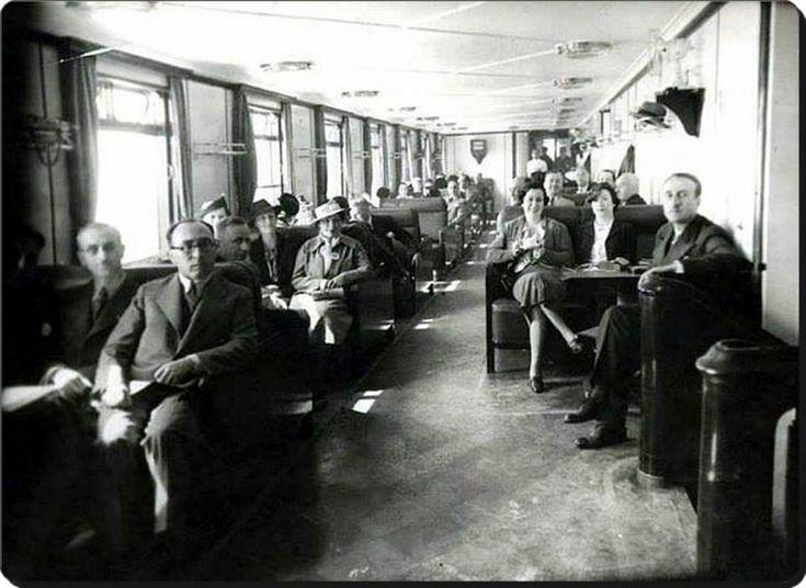Kadıköy Vapurunda İnsanlar (1940'lar).