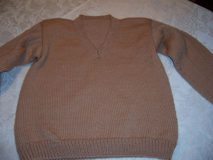 V-neck pullover in Brownsheep Naturespun.