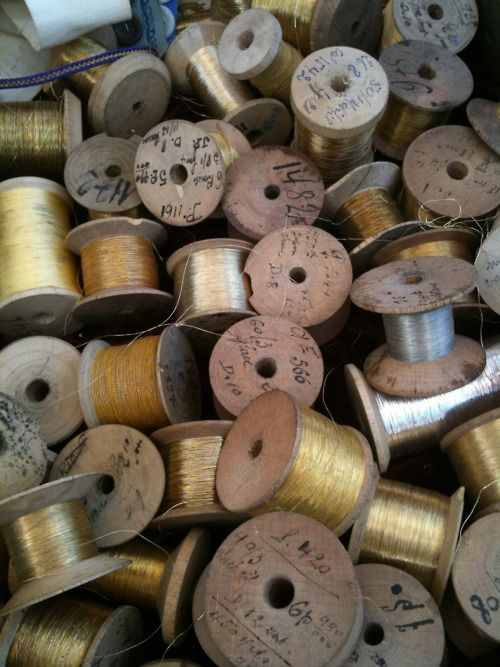 Shiny - love these old thread reels.Metals Thread, Thread Spools, Sewing Stuff, Sewing Thread, Vintage Sewing, Colors Palettes, Wooden Spools, Gold Thread, Collection